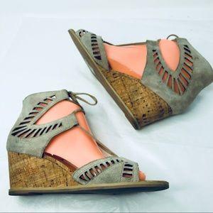 DV Dolce Vita Gray Suede cork wedge sandal 7.5
